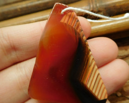 Red agate pendant bead (G2633)