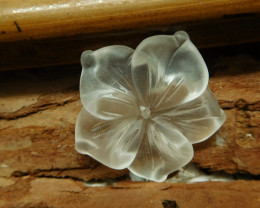 Clear quartz carved flower pendant (G2653)