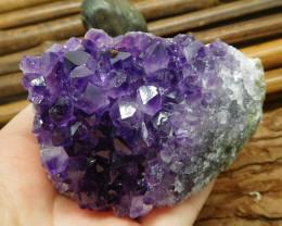 Gemstone amethyst crystal energy spicemen