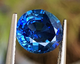 2.28 ct Vivid blue  sapphire With Excellent Luster And Fine Cutting Gemston