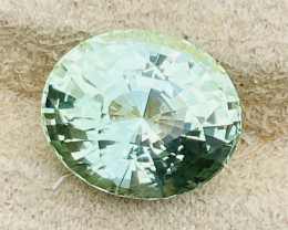The shadow in the stone is be holding the camera over.  It is not extinction of color from improper cutting angles.   This is a master cut gem cut for full reflectivity.