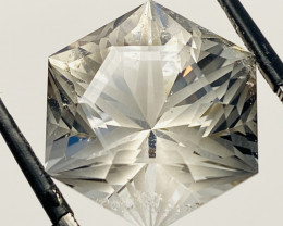 28.2 CT- ROCK CRISTAL FROM CEYLON- I DISCONNECT MY COLLECTION.  AFTER 36 YE