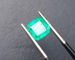 HGTL CERTIFIED 2.20 Ct Natural Green Transparent Emerald Gemstone