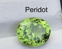 Top Class 2.90 ct lovely Peridot Ring Size