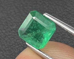 1.06 Cts Vivid Green AAA Grade Natural Zambian Emerald