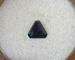 2,12ct Dark blue to light blue colour shift Sapphire - Master cut!