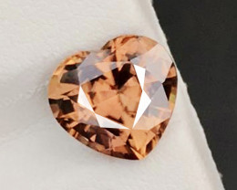 5.200 CT RAREST 100% NATURAL UNHEATED HEART PINKISH ORANGE ZIRCON