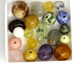 ASSORTED NATURAL BEADS (PARCEL) 33 CTS  NP-1523