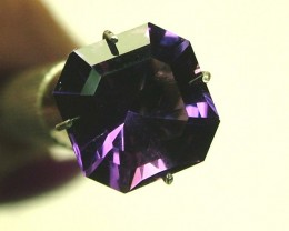 3 CTS AMETHYST FACETED STONE  CG- 92 (CO-GR)