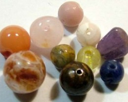 ASSORTED NATURAL BEADS (PARCEL)  16 CTS FNP1865 (NP-GR)