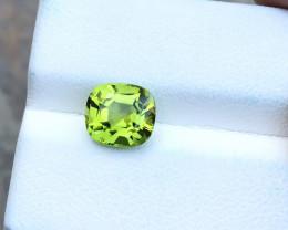 2.70 Ct Natural Green Transparent Peridot Gemstone
