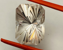 16.6 CT- -TOPAZ FROM CEYLON- THE BEST-  I DISCONNECT MY COLLECTION.  AFTER