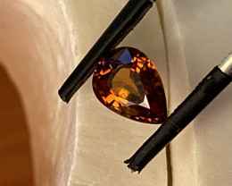 2.42 CT- - -ZIRKON-  THE BEST FOR JEWELLERY-   I DISCONNECT MY COLLECTION.