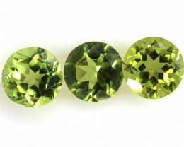 2.9 CTS PERIDOT FACETED PARCEL 3PCS CG-3313