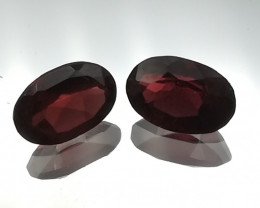 Rhodolite pair, 1.27ct, oval shaped, pretty little stones!!