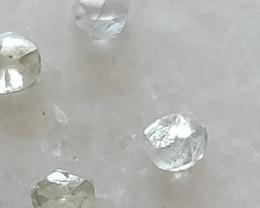 Natural australianwhite rough diamond D-F-vvs  4pcs 0.80ctw lot