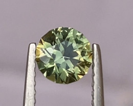0.9ct Unheated light green sapphire