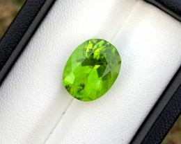 8.90 Carats Top Grade Natural Olivine Green Natural Peridot