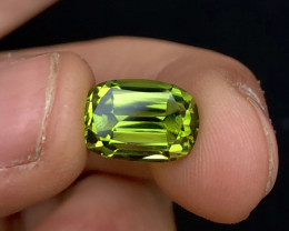Parrot Apple Green color 5.70 Ct Natural Oval Cut Top Quality Peridot
