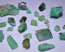 Amazing Natural color Lovely Rough Swat Emerald lot 82CtsGN39