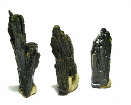 Amazing Natural color Damage free tree Shape lovely Epidote 3 crystals 40