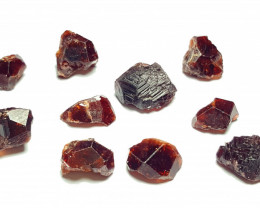 Amazing Natural color Etched Garnet Rough / Crystal max lot 100CtsGN39