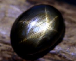 Star Sapphire 8.61Ct Natural Thailand Golden Black Star Sapphire B1916