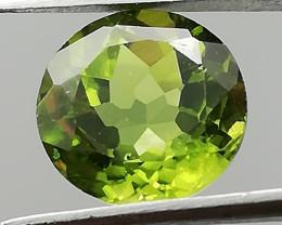Peridot, 2.69ct brilliant cut, very clean stone from Pakistan, super cut!
