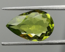 Peridot, 2.04ct, pear shaped unique stone from Pakistan!