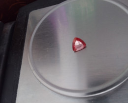 RED ANDESINE FELDSPAR 3.85 CTW TRILLION CUT GEMSTONE BEAUTY