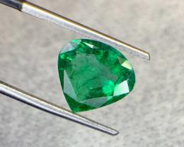 2.85 carat heart shape Natural Emerald Gemstone