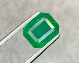 3.00 carat Natural Emerald Gemstone.