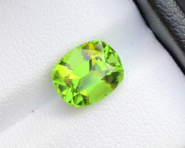 Natural 3.45 carats Top Quality Peridot with amazing Color From Suppat Vall