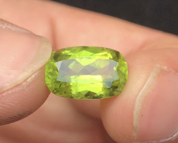 Deep Green 4.80 ct lovely Peridot Ring Size