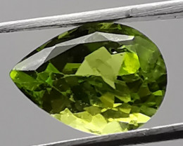 Peridot, 3.04ct, a green out of nature, you'll love it!
