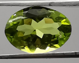 Peridot, 2.145ct, clear and sparkling gem!