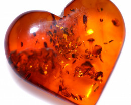 9 Cts Lovers Heart Natural  Amber from Poland  code CCC2888