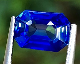1.08 ct Royal Blue Sapphire with Excellent luster and Fine Cutting Gemstone