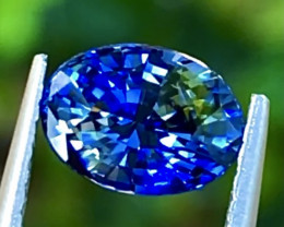 1.37 ct Bi Colors sapphire with Excellent luster and Fine Cutting Gemstone