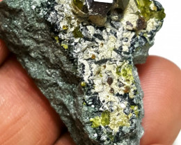 Stunning Natural color lovely Garnet combine with Epidote 75Cts-A