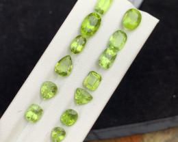 23.50 carats Amazing color Peridot Gemstone from pakistan