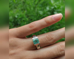 Untreated Colombian emerald Ring from Chivor 1.65