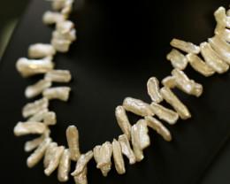 220 cts Biwa Stick Pearl luster Pearl strand (side tip drill) GOGO 1346