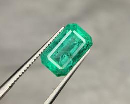 Certified 3 carat Natural Emerald l.