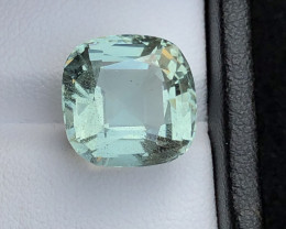 Certificated Top Grade 10.03 ct lovely Light Blue Aquamarine Ring Size