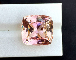 30.65 Carats Bicolor Kunzite Gemstone From Afghanistan