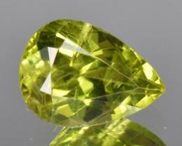 3.02 CTS Beautiful Green Peridot Gem