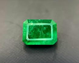 2.80 carats natural emerald gemstone