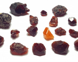 Amazing Natural color Garnet Rough / Crystal max lot 95CtsG/25