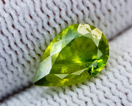1.75CT SPHENE COLOR CHANGE BEST QUALITY GEMSTONE IIGC40